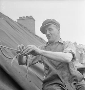 BLITZ REPAIR SQUAD'S LONDON CAMP: EVERYDAY LIFE WITH THE BLITZ REPAIR TEAMS, LONDON, ENGLAND, UK, 1944