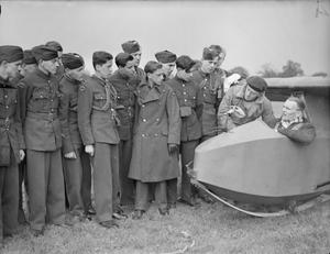 ATC AT GLIDING SCHOOL: CADETS OF THE AIR TRAINING CORPS, DENHAM GLIDING SCHOOL, BUCKINGHAMSHIRE, ENGLAND, UK, 1945