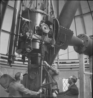 THE ROYAL OBSERVATORY: EVERYDAY LIFE AT THE ROYAL OBSERVATORY, GREENWICH, LONDON, ENGLAND, UK, 1945