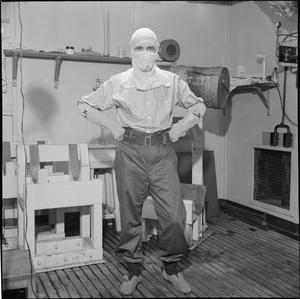 NAVAL RATINGS AID RESEARCH: TESTING THE EFFECTS OF TEMPERATURE ON EFFICIENCY AT THE NATIONAL HOSPITAL OF NERVOUS DISEASES, QUEEN SQUARE, LONDON, ENGLAND, UK, 1945