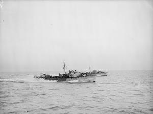 WITH THE ROYAL NAVAL COASTAL FORCE, DOVER. 11 FEBRUARY 1942, DOVER.