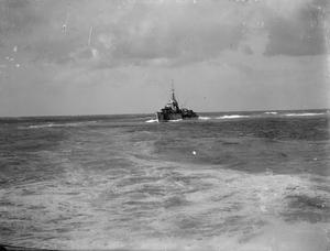 ANTI-SUBMARINE PATROL. 25 DECEMBER 1941, ON BOARD THE DUTCH DESTROYER ISAAC SWEERS, AT SEA IN THE EASTERN MEDITERRANEAN.