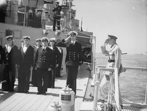 THE DUKE OF GLOUCESTER INSPECTS SHIPS AND NAVAL ESTABLISHMENTS AT ALEXANDRIA. 21 APRIL 1942.