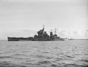 HMS KING GEORGE V BACK FROM THE USA. 1941, AT A BRITISH PORT ON THE BATTLESHIP'S RETURN.