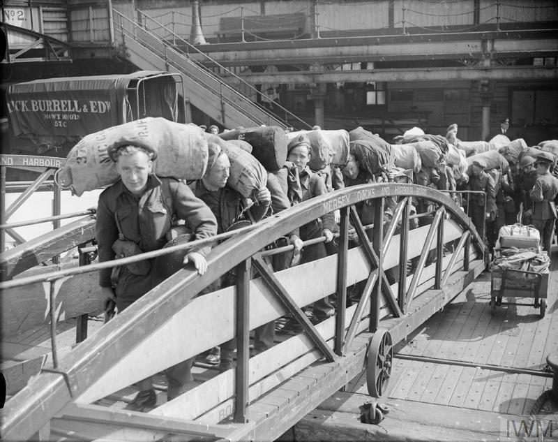 "SERVICEMEN'S LINER - THE BRITISH TROOPSHIP ""GEORGIC"": ARMY TRANSPORT, LIVERPOOL, LANCASHIRE, ENGLAND, UK, c JULY 1945"