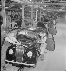 BRITAIN BUILDS LIGHT CARS: THE BRITISH AUTOMOBILE INDUSTRY, UK, 1945