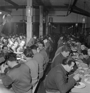 ITALIAN PRISONERS OF WAR IN BRITAIN: EVERYDAY LIFE AT AN ITALIAN POW CAMP, ENGLAND, UK, 1945