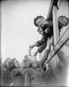 DUTCH CHILDREN AT WARMSWORTH CAMP, NEAR DONCASTER, YORKSHIRE, ENGLAND, UK, 1945
