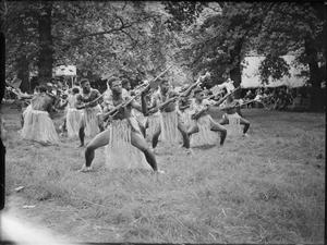 FIJI CONTINGENT TO VICTORY PARADE HAS FAREWELL PARTY IN KENSINGTON GARDENS, LONDON, ENGLAND, UK, 1946