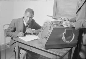 COLONIAL STUDENTS IN GREAT BRITAIN: STUDENTS AT THE SCHOOL OF ORIENTAL AND AFRICAN STUDIES, LONDON, ENGLAND, UK, 1946