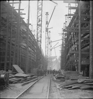 IN A BRITISH SHIPYARD: EVERYDAY LIFE IN THE SHIPBUILDING INDUSTRY, UK, 1943
