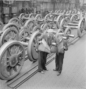 THE BRITISH LOCOMOTIVE BUILDING INDUSTRY: THE PRODUCTION OF RAILWAY LOCOMOTIVES, UK, 1945