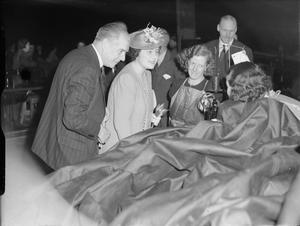 HM QUEEN ELIZABETH VISITS A TENT FACTORY, UK