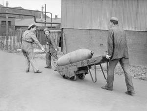 MUNITIONS PRODUCTION IN BRITAIN, 1941