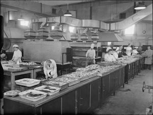 FACTORY CANTEEN KITCHENS, UK, 1942