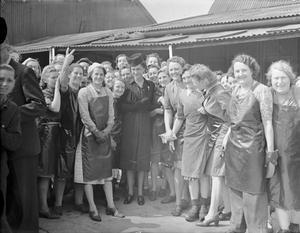 WAR INDUSTRY, UK, 1943