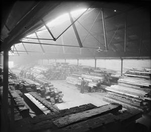 WAR INDUSTRY: SALVAGED TIMBER, UK, 1943