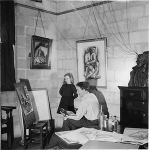 BELGIAN ARTIST: EVERYDAY LIFE FOR JOHN CLUYSENAAR AND HIS FAMILY, BARTON ST DAVID'S, TAUNTON, SOMERSET, ENGLAND, UK, 1944