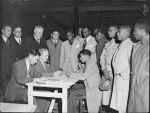 JAMAICAN TECHNICIANS ARRIVE IN BRITAIN, UK, 1941