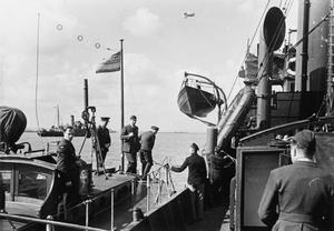 CONVOY PREPARING TO SAIL. 1940, CHATHAM.
