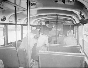 MOBILE D E M S GUNNERY SCHOOL. 7 TO 11 DECEMBER 1942, DEVONPORT. IN ADDITION TO THE REGULAR TRAINING ESTABLISHMENTS WHERE OFFICERS AND MEN OF THE MERCHANT NAVY ARE TAUGHT HOW TO USE THEIR GUNS, THERE ARE NOW A NUMBER OF MOBILE SCHOOLS WHICH TOUR THE VARIOUS PORTS GIVING THREE DAY GUNNERY COURSES TO ANY MERCHANT NAVY PERSONNEL WHO WISH TO TAKE PART.