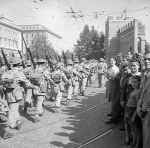 THE ALLIED ENTRY TO ROME, JUNE 1944