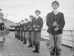 MIDSHIPMEN TRAINING ON THE BATTLESHIP RODNEY. MARCH 1943, ON BOARD HMS RODNEY.