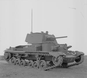 BRITISH TANKS AND ARMOURED FIGHTING VEHICLES 1939-45