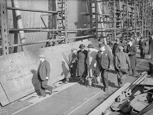 HIGH COMMISSIONER FOR SOUTH AFRICA VISITS SCOTTISH SHIPYARDS. 7 APRIL 1943, GLASGOW, COLONEL DENEYS REITZ, HIGH COMMISSIONER FOR SOUTH AFRICA IN BRITAIN, HAS COMPLETED A TWO-DAYS' TOUR OF SHIPBUILDING AND NAVAL REPAIR YARDS IN SCOTLAND.