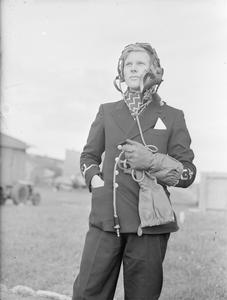 AT A BRITISH NAVAL FIGHTER SCHOOL. 2 SEPTEMBER 1943, YEOVILTON, SOMERSETSHIRE, AT A ROYAL NAVAL AIR STATION FIGHTER DIRECTION CENTRE.