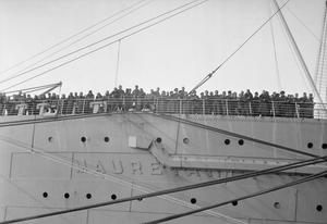 REPATRIATED SOLDIERS AND CIVILIANS RETURN FROM THE FAR EAST