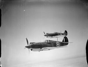 AMERICAN AIRCRAFT IN RAF SERVICE 1939-1945: CURTIS HAWK 81A TOMAHAWK.