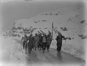 BRITISH SUBMARINE MEN AT BEIRUT. 25 JANUARY 1944, AT THE BRITISH SUBMARINE BASE AT BEIRUT.