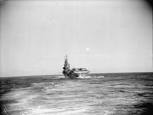 THE AIRCRAFT CARRIER HMS VICTORIOUS AT SEA. APRIL 1944.