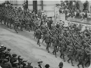 BRITISH INFANTRY MARCHING [Allocated Title]