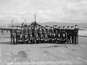 U-BOAT KILLERS OF THE VINDEX. 8 SEPTEMBER 1944, WITH THE ESCORT CARRIER HMS VINDEX AT GREENOCK.