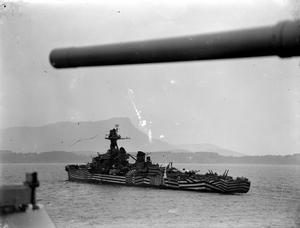 FRENCH FLEET RETURNS HOME. 13 AND 14 SEPTEMBER 1944, TOULON. THE CEREMONIAL REENTRY OF THE FRENCH FLEET INTO THE PORT OF TOULON ON 13 SEPTEMBER, 17 DAYS AFTER THE RECAPTURE OF THE PORT BY THE ALLIES.
