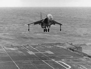 HARRIER TRIALS IN HMS HERMES