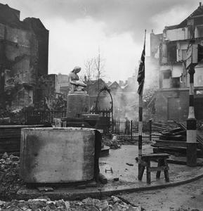 THE LONDON BLITZ, 1940