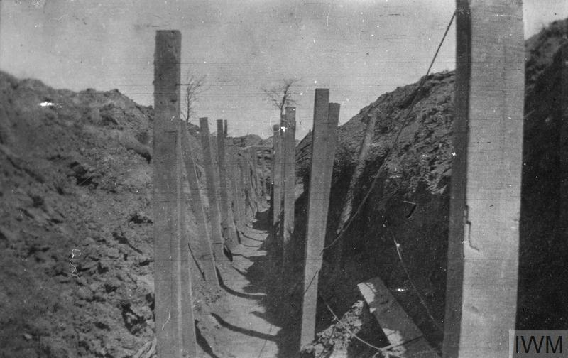 THE 7TH BATTALION, THE QUEEN'S (ROYAL WEST SURREY REGIMENT) ON THE WESTERN FRONT 1915 - 1916