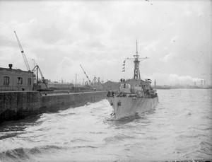 HMS LOCH TARBERT, BRITISH LOCH CLASS FRIGATE. 24 TO 29 APRIL 1945, GLADSTONE DOCK, LIVERPOOL.