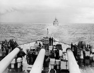 THE BATTLESHIP HMS HOWE IN NEW ZEALAND WATERS. JANUARY 1945, ON BOARD HMS HOWE, FLAGSHIP OF ADMIRAL BRUCE FRASER, C IN C BRITISH PACIFIC FLEET, WHEN SHE WAS IN NEW ZEALAND WATERS AND DURING HER VISIT TO AUCKLAND.