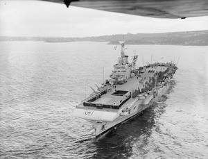 HMS FORMIDABLE RETURNS TO SYDNEY WITH 1300 POW'S AND INTERNEES FROM JAPAN. 1945, ON BOARD HMS FORMIDABLE EN ROUTE TO SYDNEY FROM MANILLA.