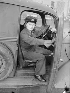 THE WOMEN'S AUXILIARY AIR FORCE, 1939-1945