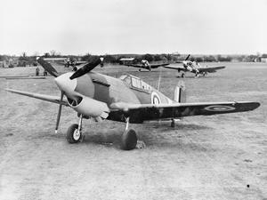 AMERICAN AIRCRAFT IN ROYAL AIR FORCE SERVICE: CURTISS HAWK 81A TOMAHAWK.