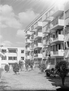 POST WAR RECONSTRUCTION IN BRITAIN: HOUSING DESIGNS