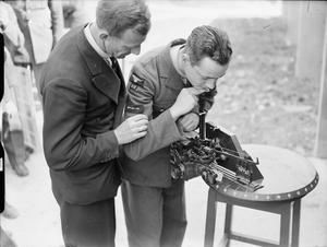AIR OBSERVERS IN TRAINING: LEARNING THE INTRICACIES OF BOMB AIMING