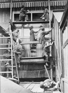 WOMEN AT WORK ON THE HOME FRONT DURING THE FIRST WORLD WAR, HAMMERSMITH, LONDON