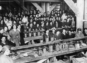 THE EMPLOYMENT OF WOMEN IN BRITAIN, 1914-1918