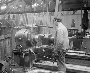 INDUSTRY DURING THE FIRST WORLD WAR